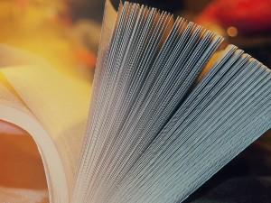 Text-Übersetzung: Aufgeblättertes Buch